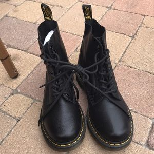 Dr Martens Pascal 8 eye great leather Virginia